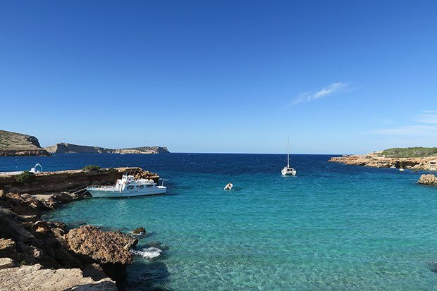 The stunning Cala Compte Ibiza, a beautiful location all year round